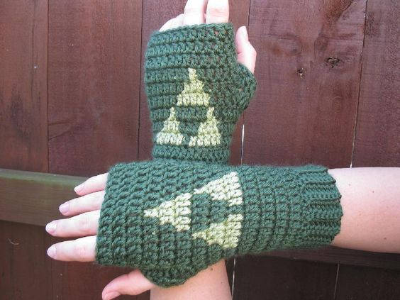 Video game crochet patterns: The Legend of Zelda gloves crochet ...