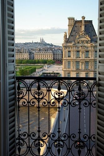 Wrought iron balconies and the louvre on pinterest for Balcony louvres