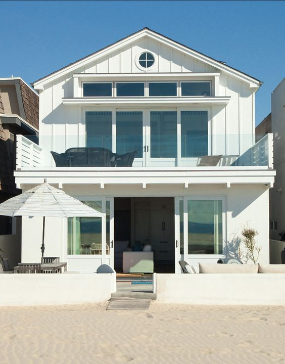 Beach House. California Beach House. Paint Color Benjamin Moore Ultra White CC-10. #BeachHouse