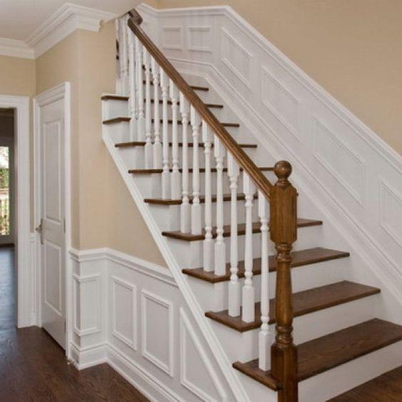 petite moulure escalier bois franc pinterest escaliers moulure murale et escalier blanc. Black Bedroom Furniture Sets. Home Design Ideas