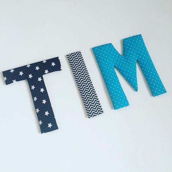Kundenwunsch: Stoffbuchstaben schwarz/weiß für TIM mit türkisfarbenem M