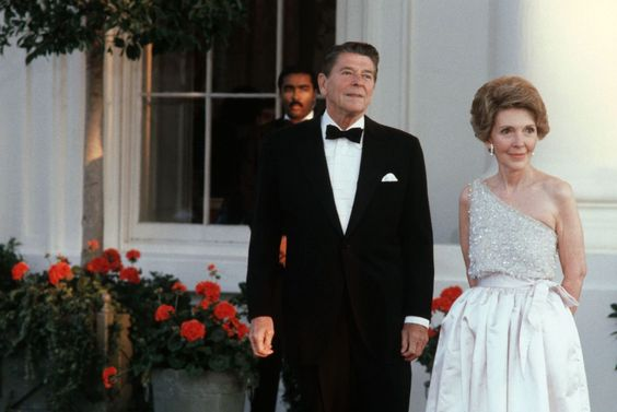 Nancy and Ronald Reagan at a state dinner