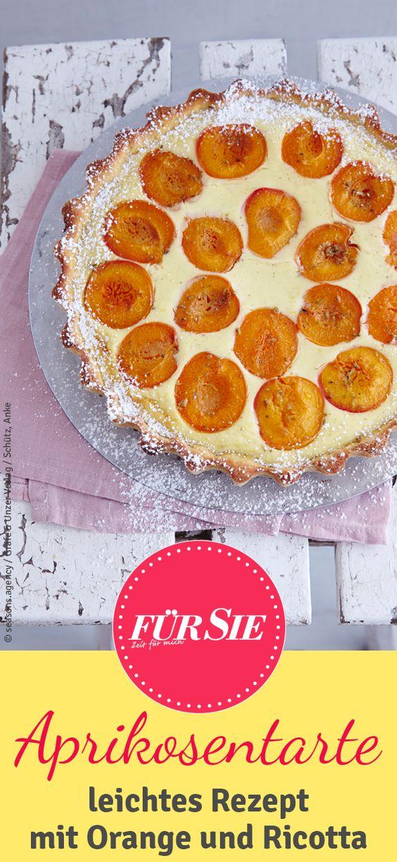 Verfeinert mit einer fruchtigen Melissen-Orangen-Gremolata – bei der Ricotta-Aprikosen-Tarte blinzelt uns die Sonne zu.