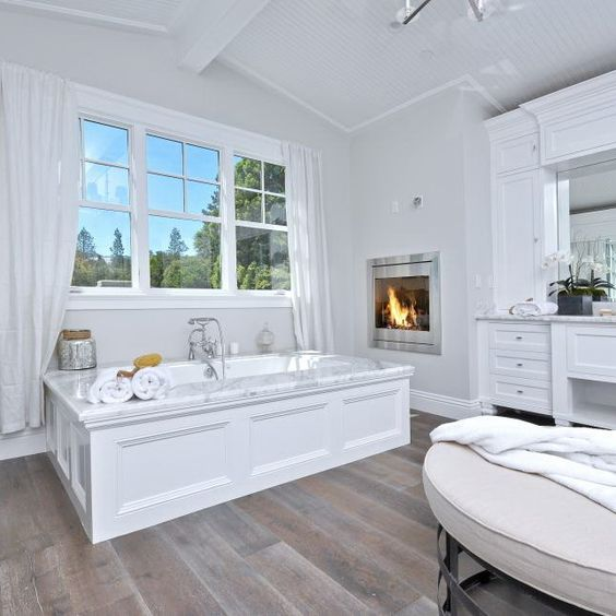 This Luxurious Master Bathroom Has A Large Soaking Tub