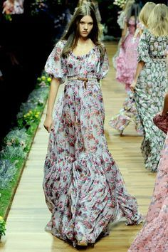 Flowy dress pegs on Pinterest   Maxi Dresses, Floral Maxi Dress ...