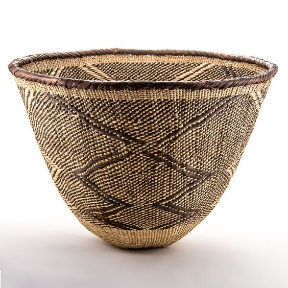 Batonga Nsosa basket handcrafted in South Africa by Design Afrika Since each basket is individually handmade there will be slight variations in size