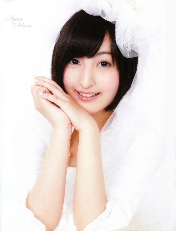 ホワイトが一段と綺麗佐倉綾音さん