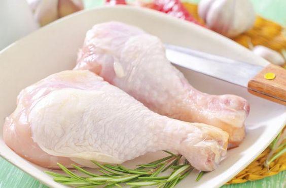 Lavar el pollo es uno de los peores errores que has aprendido en la cocina - IMujer