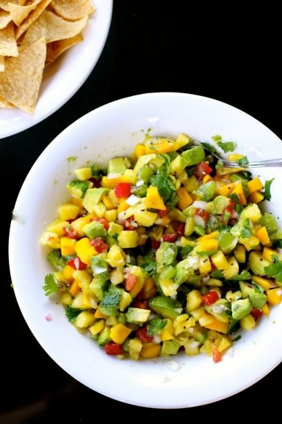 Pineapple mango salsa- The Curvy Carrot » Healthy and Indulgent Meals Dangling in Front of You » page 3