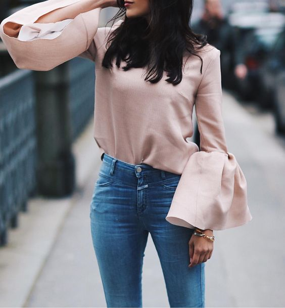 Bell sleeves / soft pink for spring