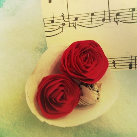 Paper roses (for gift tags for example)