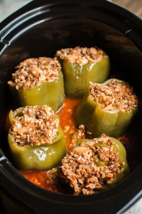 Slow Cooker Beef And Rice Stuffed Peppers Greenpeppers Stuffed Peppers Slow Cooker Stuffed Peppers Vegetarian Stuffed Peppers