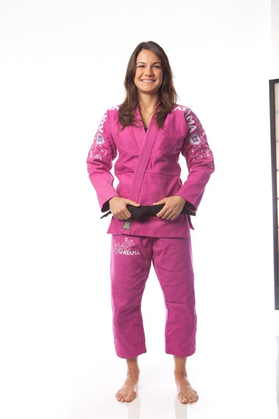 Pink Atama gi. I want it, but we can only wear blue or white :(