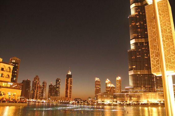 Burj Al Khalifa Fountain Show, outside Dubai Mall