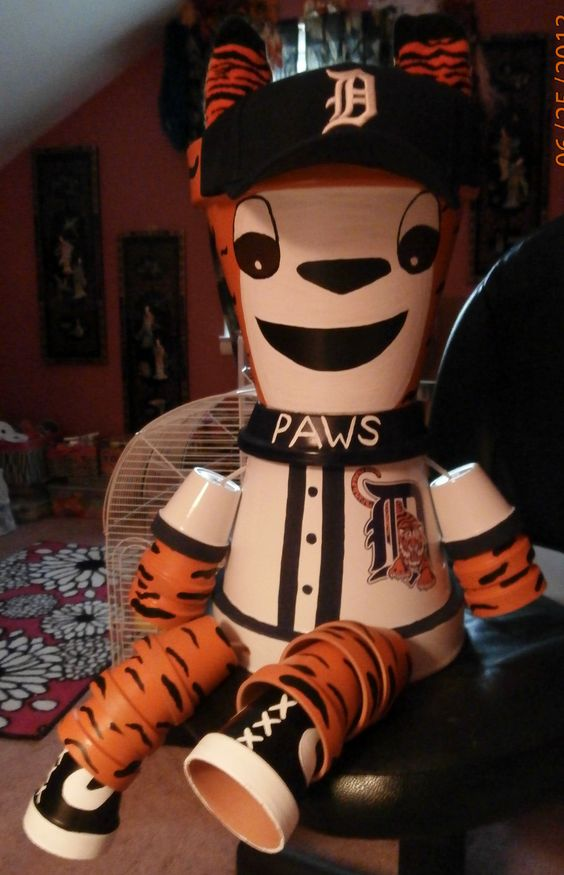 """Detroit Tigers """"Paws"""" Flower Pot I made my daughter for her birthday."""