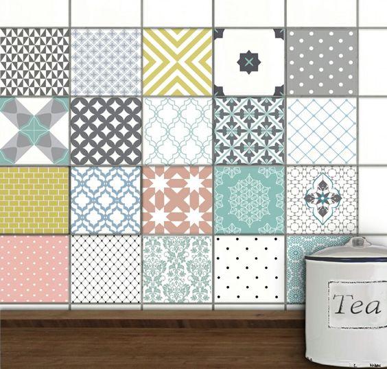 Textil Wandgestaltung und moderner Nachttisch