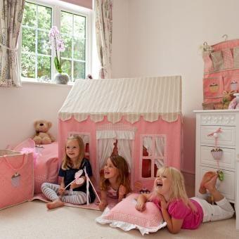 Gingerbread Cottage - Spielhaus von Win Green