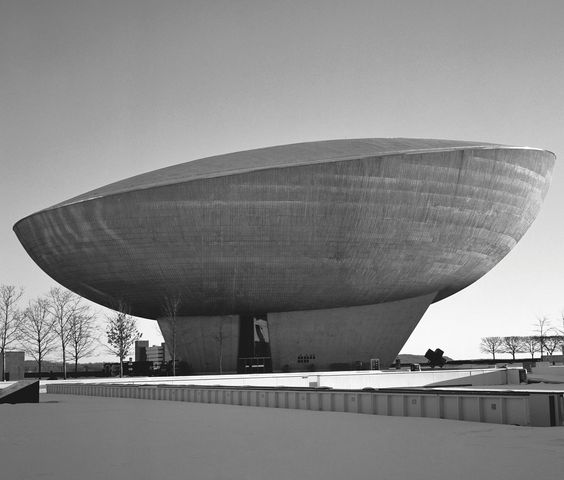 'The Egg', Center for the Performing Arts, Albany, New York, USA, 1978 by Wallace Harrison. Courtesy Phaidon Press