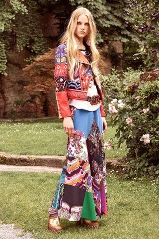 See the complete Roberto Cavalli Resort 2017 collection.