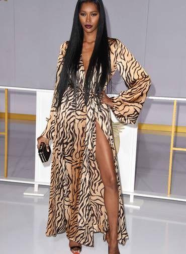 A atriz e modelo Jessica White foi outra que apostou no poder da fenda no lançamento do filme em Los Angeles Foto: ROBYN BECK / AFP