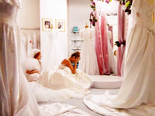 Carrie And Miranda Trying On Fluffy Wedding Gowns I Feel Your Paintrying Dresses Is Stressful Ugh
