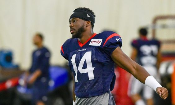 Wideout Quenton Bundrage cut by the Texans = The Texans have been busy with cuts today, and they decided to part ways with wide receiver Quenton Bundrage. The team has to be down to 53 players by the start of the regular season.  The Texans are fairly loaded at wideout, which.....