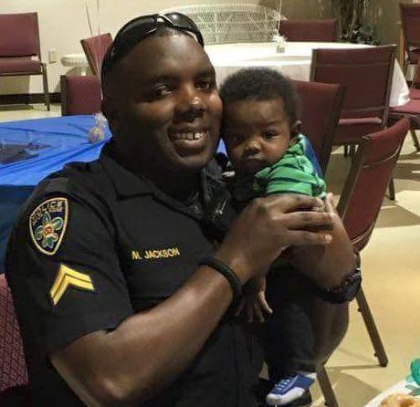 Montrell Jackson, un afroamericano de 32 años de edad, era padre de un bebé de apenas cuatro meses. El oficial de policía fue uno de los tres abatidos en Baton Rouge, Luisiana, este domingo, por un atacante que buscaba vengar incidentes de violencia policial contra afroamericanos.