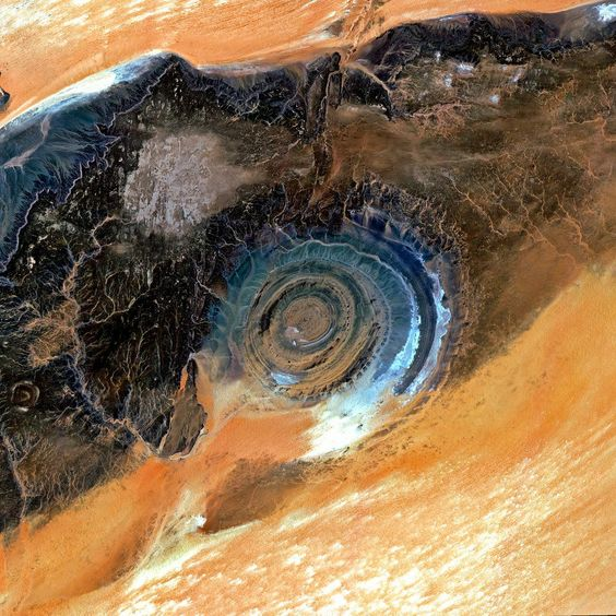 Het Oog van de Sahara, het mysterie