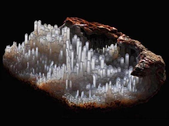 Calcedoine (pièce de musée) ✏✏✏✏✏✏✏✏✏✏✏✏✏✏✏✏ AUTRES MINERAUX - OTHER MINERALES ☞ https://fr.pinterest.com/JeanfbJf/pin-min%C3%A9raux-minerals-index/ ══════════════════════ BIJOUX ☞ https://www.facebook.com/media/set/?set=a.1351591571533839&type=1&l=bb0129771f ✏✏✏✏✏✏✏✏✏✏✏✏✏✏✏✏