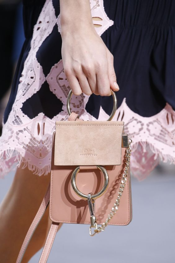 Chloé Spring 2016 Ready-to-Wear Fashion Show - Roos Abels (Ford):