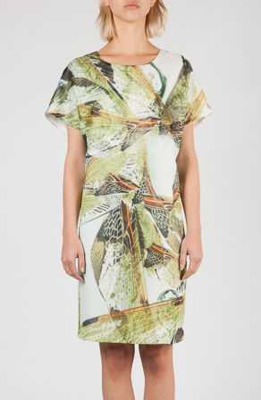 Hien Le | Grünes Kleid mit floralem Print http://www.schwittenberg.com/Nach-Marke/Hien-Le/