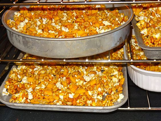 My mom used to make this Crackerjack crunch at Christmas time. Yummy!