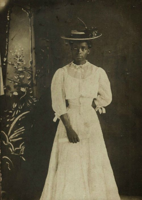 Graduation day, New Orleans - c. 1900s - (Via)