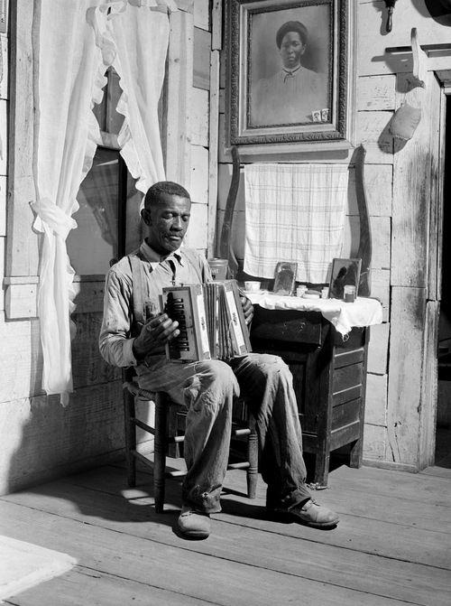 Jack Delano - Mr. Cicero Ward, Negro FSA client. Southern, Greene County, Georgia, 1941.