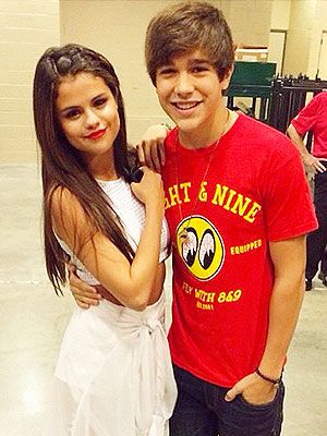 Selena Gomez and Austin Mahone (r they together?)