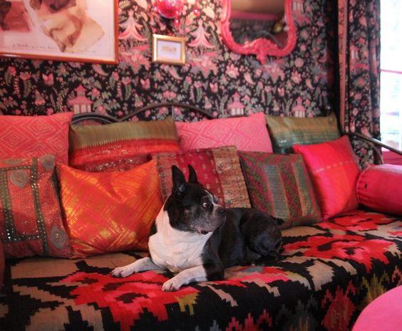 Photo Deco :  Rouge  Baroque   Appartement Paris kitsch folklorique