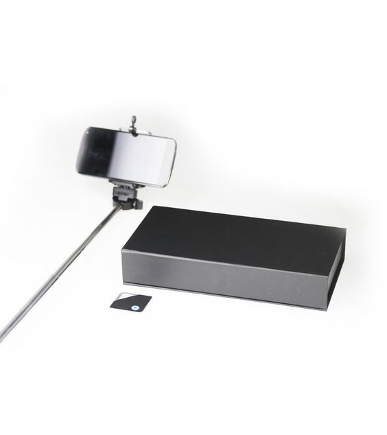 Coffret #selfie bluetooth - http://www.bathroomgraffiti.com/hi-tech/accessoires-telephone/coffret-selfie-smartphone-5180.html