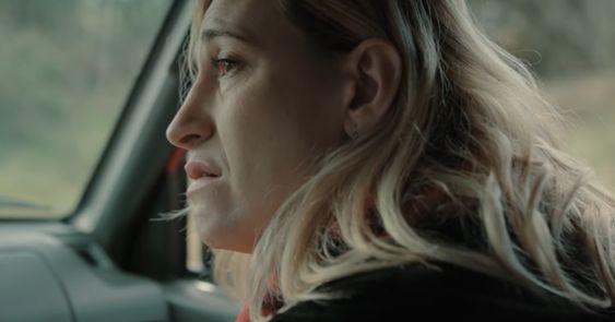 """En """"El desorden que dejas"""", Abril Zamora hace de una mujer trans, pero no gira en torno a eso (Foto: Netflix)"""