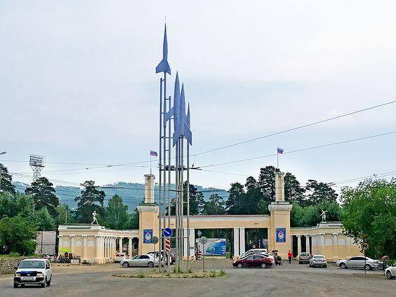 Центральные ворота СибВО. Фото: Evgenia Shveda