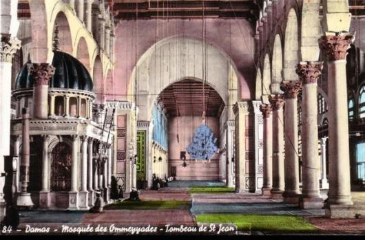 ضريح النبي يحيى وجانب من حرم الجامع الأموي في دمشق
