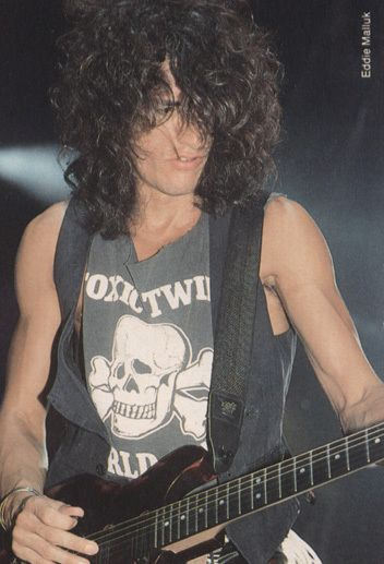 Joe Perry, this was his total hottie phase, imo