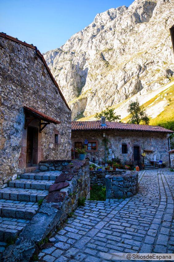 Bulnes. Cinco de los pueblos mas bonitos de Asturias. | Sitios de España