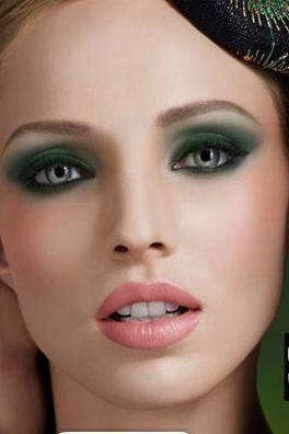 Emerald smokey look