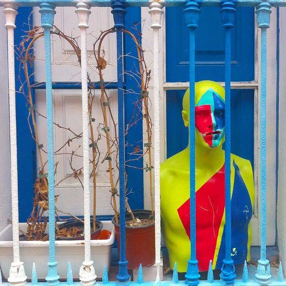 La ventana de la vecina #gentecotidiana by bertsiles