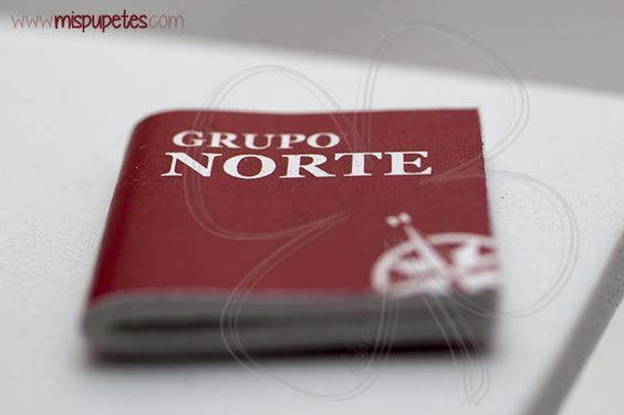 Detalle cuaderno Grupo Norte para las fofuchas del CSR Spain 2014 www.mispupetes.com