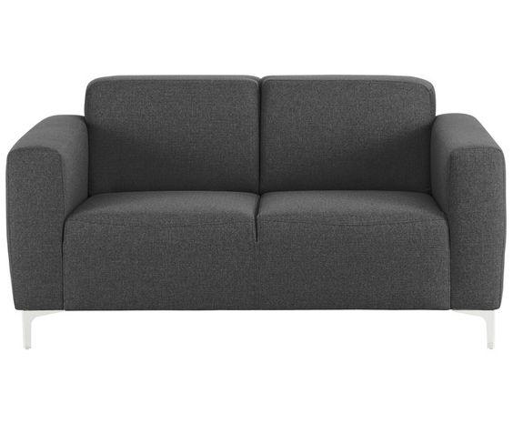 Sie lieben klare Formen und schlichtes Design in Ihrem Wohnbereich? Dann ist das Sofa LINN der perfekte Begleiter für Sie! Das edle anthrazitfarbene Modell, das Platz für zwei Personen bietet, überzeugt vor allem durch seinen angenehmen Textilstoff und den bequemen Sitzkomfort. Gleichzeitig sorgt die würfelartige Form für einen modernen Look.