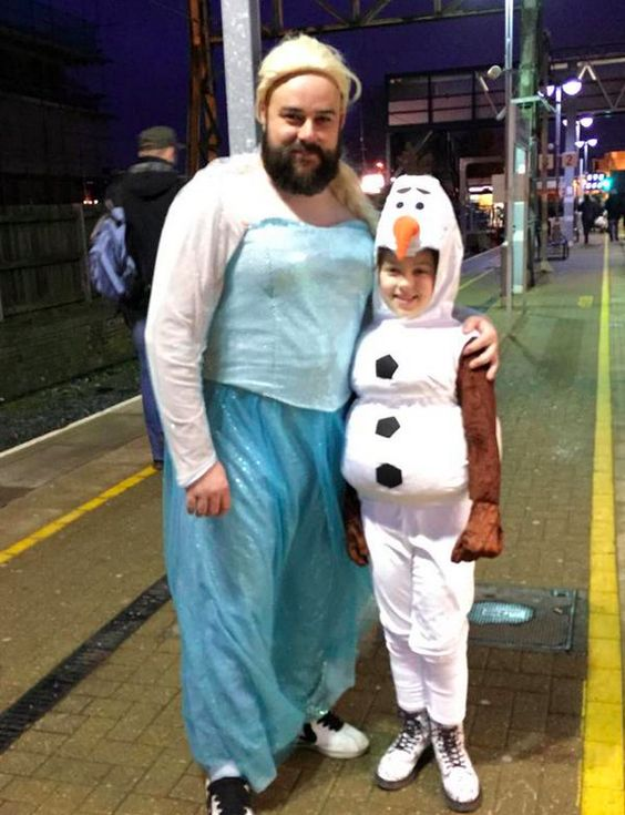 """And a third picture from Twitter confirms that he really is the coolest dad around. 