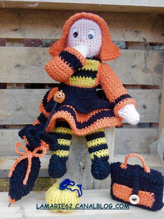 Bécassine en crochet costumée pour halloween