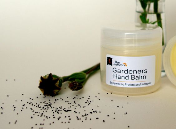 Made with beeswax, almond, olive and coconut oil. Beeswax creates a protective layer, ideal to protect hands from water and dirt. The oils moisturise, a wonderful summer garden scent of natural lavender and rose geranium essential oils. Preservative free.