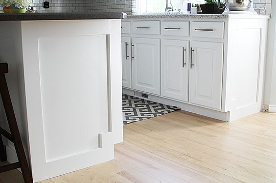 How to add moulding to a kitchen island for Kitchen molding ideas